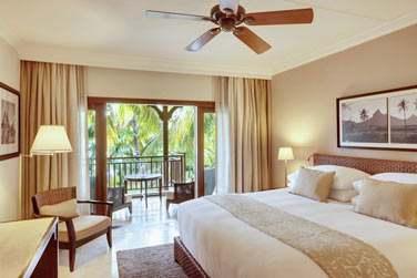 Intérieur de la chambre Supérieure donnant sur le jardin tropical