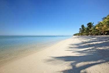 La longue et très belle plage de la péninsule du Morne