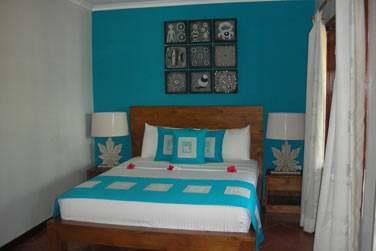Les chambres et suites sont confortables et joliment décorées