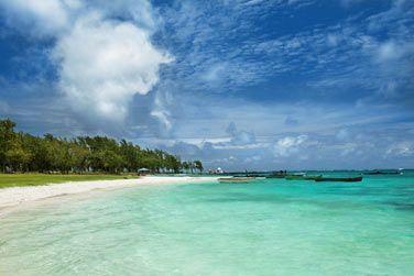 Au bord d'une plage mythique à l'Est de Maurice, celle de Belle Mare