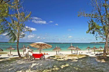 Découvrez un service de plage typiquement mauricien...