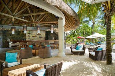 Sirotez un délicieux cocktail au Tides Bar