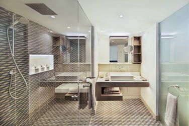 La salle de bain de la Suite Lux*