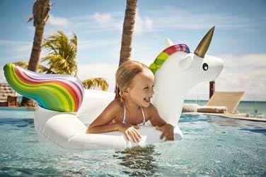 Vos enfants pourront s'amuser en toute quiétude dans la belle piscine extérieure