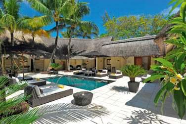 Ici, place à la détente et à la relaxation. Un espace aménagé avec piscines, sauna, bain à remous...