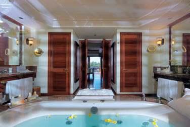 Les Villas disposent d'une très grande salle de bain...