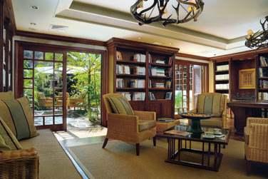 La bibliothèque est un endroit cosy où vous trouverez livres, CD, DVD, journaux...