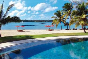 Plutôt piscine ou plage ? Profitez également d'une très belle piscine en front de mer...
