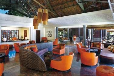 Au Lounge Bar de l'hôtel, dans le prolongement de la réception. Un endroit coloré et trendy