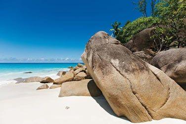 Décor de carte postale avec ces immenses rochers de granit...