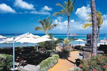 Excellente table, spa divin, sublimes piscines, jardins parmi les plus beaux de l'île..