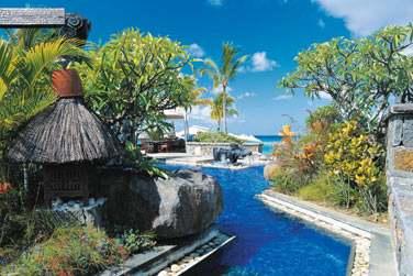 L'hôtel est situé à Baie aux Tortues, côte nord-ouest de Maurice.