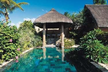La piscine privée de la Luxury villa