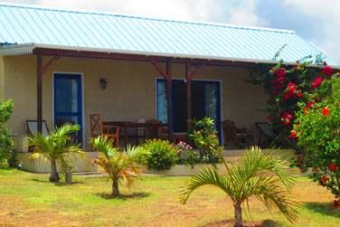 Les bungalows à l'architecture créole sont parfaits pour un séjour en famille ou entre amis
