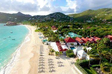Le Tom Beach Hotel se situe au bord de l'une des plages les plus fréquentées et animée de Saint-Barth