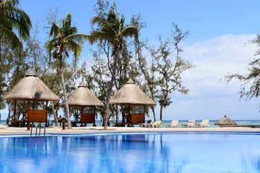 et depuis la piscine vous bénéficiez d'une superbe vue sur le lagon