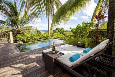 La terrasse avec piscine privative