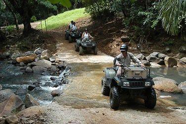 Profitez de votre séjour à l'hôtel Awali pour découvrir la réserve Frederica en quad