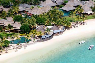 Vue aérienne sur la plage de l'hôtel
