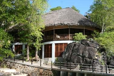 L'hôtel Cerf Island Resort propose une cuisine créole raffinée aux accents français. Un pur délice !