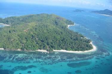 A 10 minutes de bateau de Mahé aux Seychelles