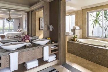 Salle de bain de la Suite Shangri-La