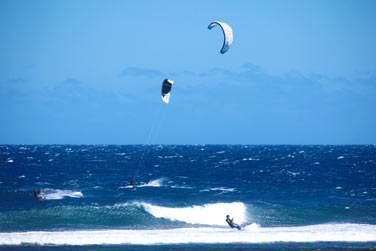 Un peu de Kite Surf sur la côte