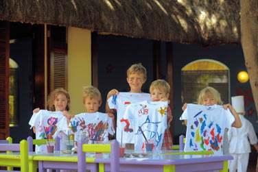 Un large éventail d'activités sera proposé à vos enfants : peinture sur t-shirts...