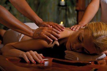 ... un massage à 4 mains...