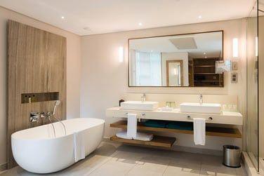 Salle de bain de la chambre Deluxe Front de mer