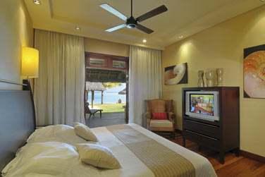Chambre d'une Villa Paradis, en rez-de-jardin avec accès direct au jardin privé et à la plage
