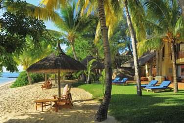 La plage privée et aménagée de la Villa Présidentielle