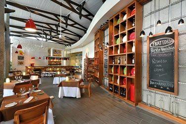 Le restaurant Porto Vecchio propose une cuisine aux saveurs italiennes et méditerranéennes