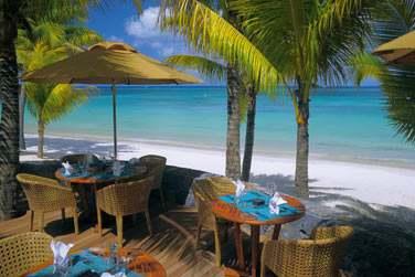 Le restaurant de plage 'Le Deck' pour un déjeuner ou dîner en bord de mer