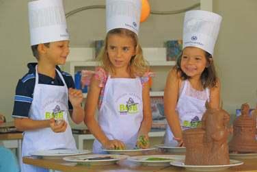 Les enfants seront ravis des cours de cuisine ! De vrais chefs !