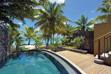 La piscine privée des Suites Senior Front de mer
