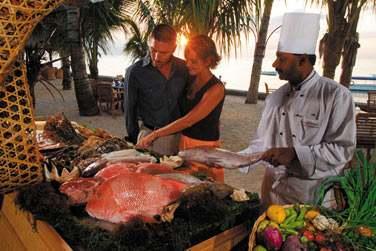 Buffet de poissons pour barbecue au restaurant 'L'Horizon'