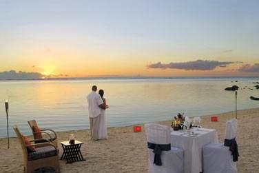 Optez pour un dîner en amoureux sur la plage... So romantic !