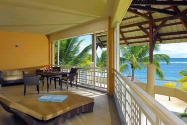 La terrasse de la Senior Suite, offrant une très belle vue sur la mer
