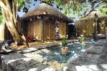 Le centre de massage et ses petits pavillons...
