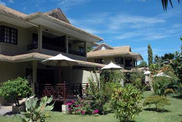 Les villas jardin, proches des parties communes sont disséminées dans la végétation