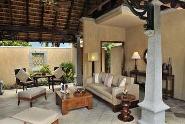 Espace salon extérieur de la Luxury Suite Villa