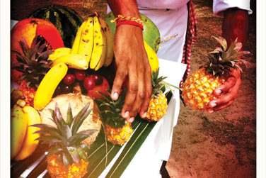 Un jus de fruits frais fait sous vos yeux dans les jardins de l'hôtel, ça vous tente ?