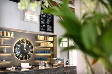 Profitez de votre séjour pour découvrir le concept des hôtels LUX* ... Une redécouverte des îles ! Ici, le café LUX*