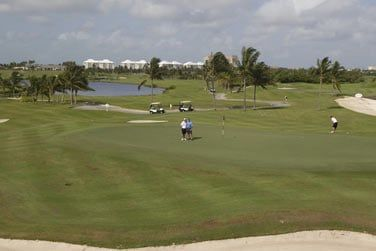 Golf, parc aquatique, restaurants, shopping