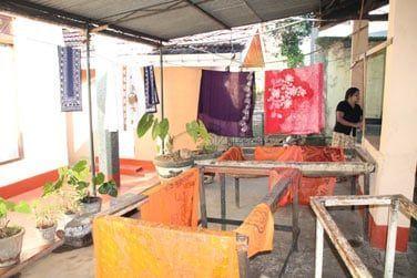 Une fabrique de Batiks où vous pourrez comprendre la fabrication de ces tissus colorés