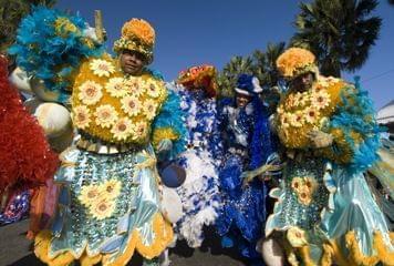 Costume de entroido en República Dominicana